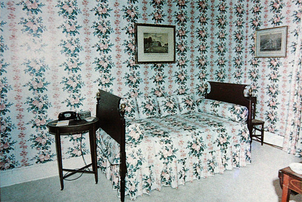 chintz bedroom c1963